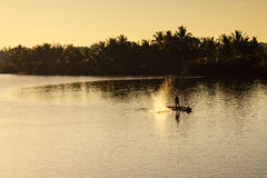 Удящ на реке Bon Thu, Quang Nam, Вьетнам Стоковые Изображения