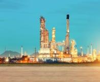 Фабрика нефтеперерабатывающего предприятия Стоковые Изображения