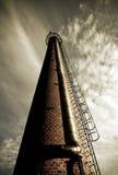 фабрика печной трубы старая Стоковые Изображения RF