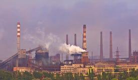 фабрика печной трубы Стоковая Фотография RF