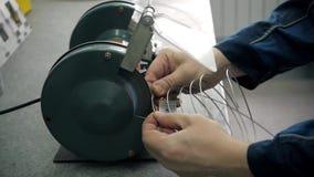 Фабрика продукции микросхемы Технологический процесс Собирать доску Компьютерный эксперт изготавливание инженерство сток-видео