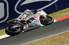 Фабрика Aprilia RSV4 гоночной команды Aprilia PATA, управляемая Noriyuki Haga JPN в действии во время практики Superbike в Imola Стоковые Изображения