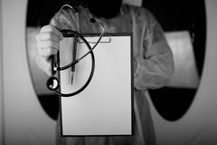 Файл стетоскопа доктора черно-белый Стоковые Изображения RF
