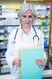 Файлы удерживания аптекаря в фармации Стоковое Изображение RF
