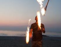 факелы jugglng Стоковое Изображение