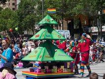 """Фантазия плавает """"дерево доброты """"выполняет в параде 2018 торжества рождества кредитного союза стоковая фотография"""