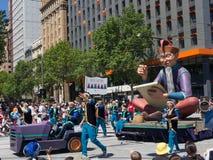 """Фантазия плавает """"хранитель списка """"выполняет в параде 2018 торжества рождества кредитного союза стоковое изображение rf"""