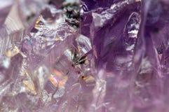 Фантастическая предпосылка, волшебство камня Кристаллический пурпур Стоковые Фотографии RF