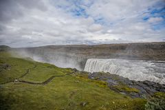 Фантастические взгляды водопада Selfoss в национальном парке Vatnaj стоковые изображения