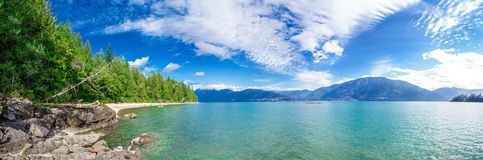 Фантастический взгляд лета природы озера Harrison Стоковые Изображения