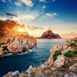 Фантастический взгляд заповедника Monte Cofano драматическое место стоковое фото