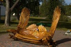 Фантастический высекаенный стенд в форме 2 орлов, Chetwynd, ДО РОЖДЕСТВА ХРИСТОВА стоковое фото rf
