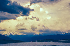 Фантастический момент в горах перед штормом Стоковое Изображение RF