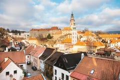 Фантастично красивый вид городка Cesky Krumlov в чехии Любимое место туристов от повсюду стоковые фотографии rf