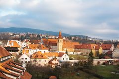 Фантастично красивый вид городка Cesky Krumlov в чехии Любимое место туристов от повсюду стоковые изображения rf