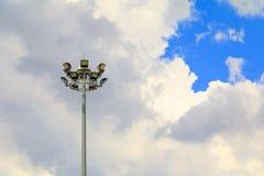 Фара - башня освещения на предпосылке неба с космосом экземпляра добавляет текст Стоковое Фото