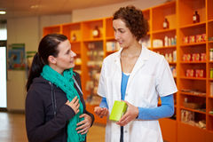 фармация гриппа клиента стоковое фото rf