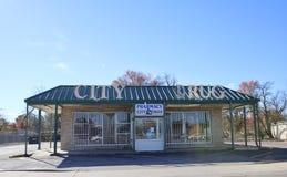 Фармация лекарства города, западный Мемфис, Арканзас стоковые фото