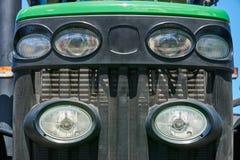 Фары на гриле радиатора трактора Стоковые Изображения RF