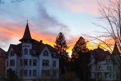 фасады города неба захода солнца голубые оранжевые Стоковое фото RF