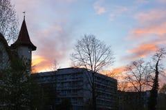 фасады города неба захода солнца голубые оранжевые Стоковые Изображения