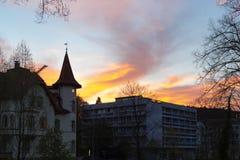 фасады города неба захода солнца голубые оранжевые Стоковое Изображение