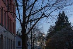 фасады города неба захода солнца голубые оранжевые Стоковая Фотография RF