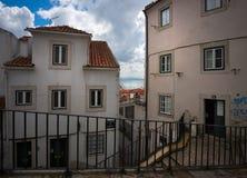 Фасады старого Лиссабона Португалия стоковые изображения