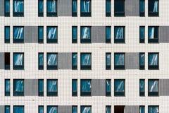 Фасад жилого дома под конструкцией в Москве, России Стоковая Фотография RF