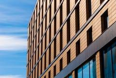 Фасад кирпича городского здания Стоковое фото RF