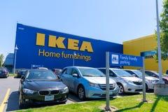 Фасад магазина IKEA в Портленде, Орегоне IKEA розничный торговец мебели мира самый большой и продает готовое для того чтобы собра стоковые фотографии rf
