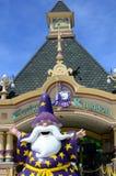 Фасад тематического парка королевства Enchanted где местный и иностранный турист собирайтесь Стоковое фото RF