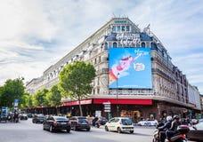 Фасад Galeries Лафайета Haussmann paris стоковые фото