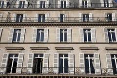 фасад paris типичный Стоковые Фотографии RF