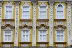 Фасад дворца в стиле барокко на квадрате соединения Стоковая Фотография RF