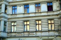 Фасад жилого дома в Берлине стоковое изображение