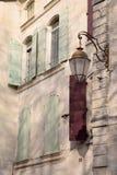 Фасад здания, Uzes; Провансаль; Франция стоковое изображение