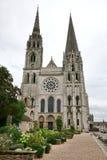 Фасад и Steeples готического собора Шартр западный Стоковая Фотография