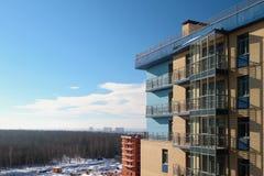 Фасад нового multystoried дома Стоковая Фотография RF