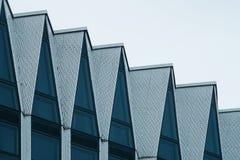 Фасад современного здания высок-техника Стоковое фото RF
