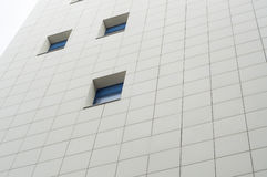 Фасад с голубыми окнами Стоковые Изображения RF