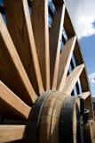 фасонируемое старое колесо фуры Стоковая Фотография