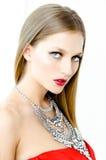 Фасонируйте портрет стиля красивой девушки в интерьере Стоковые Фотографии RF
