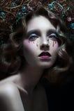 Фасонируйте портрет студии модели с стильной стрижкой стоковое фото rf
