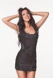 Фасонируйте фото красивой женщины брюнет в черном комбинезоне лета Торговый центр Принципиальная схема сбываний и рабатов Стоковые Изображения
