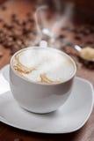 фасоли заварили выбор влияния кофе тортов экстренно свеже разбросанный печеньями Стоковое Изображение