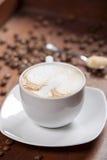 фасоли заварили выбор влияния кофе тортов экстренно свеже разбросанный печеньями Стоковые Фото