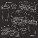 Фаст-фуд, гамбургер, хот-дог, пить и сандвич вектора Doodle установленные иллюстрация штока