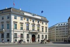 Федеральное ведомство канцлера в вене - Австрии стоковое фото rf