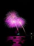 феиэрверки пурпуровые Стоковые Изображения